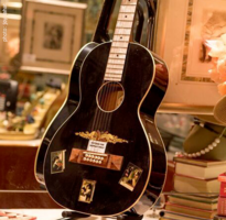 Hauvier Luther Unique Mansion Guitar