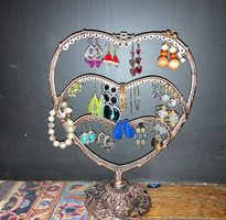 Heart Earring Stand and 15 Earrings