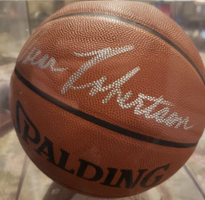 Basketball Signed By The Great Big O Oscar Robinson